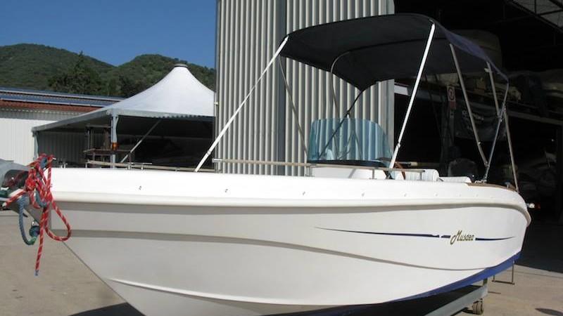 Barca Musdea 600